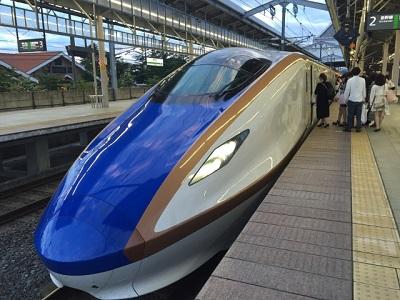 北陸新幹線のグランクラスの料金や食事、シートなど、グリーン車との違いは?