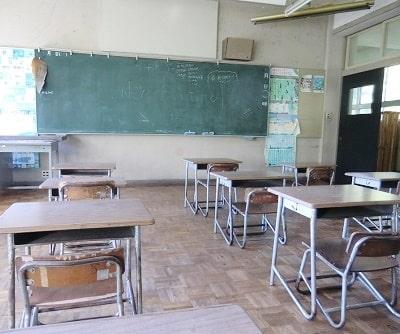 月影小学校教室