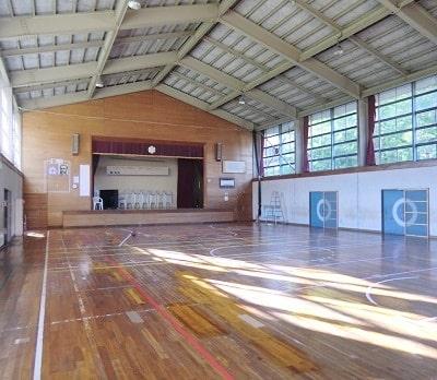 月影小学校体育館