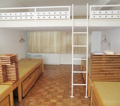 泊まれる教室